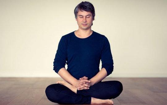 ekhart yoga mindfulness program